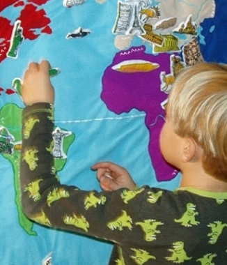 Kiddiroo - New Wall Hanging Maps